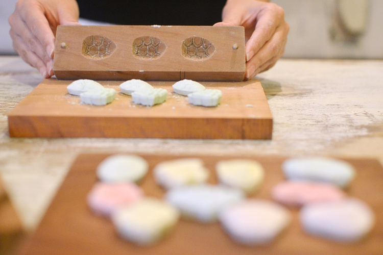 A Hands-On Art & Craft Experience Making Traditional Wasanbon Sweets Using Wooden Moulds