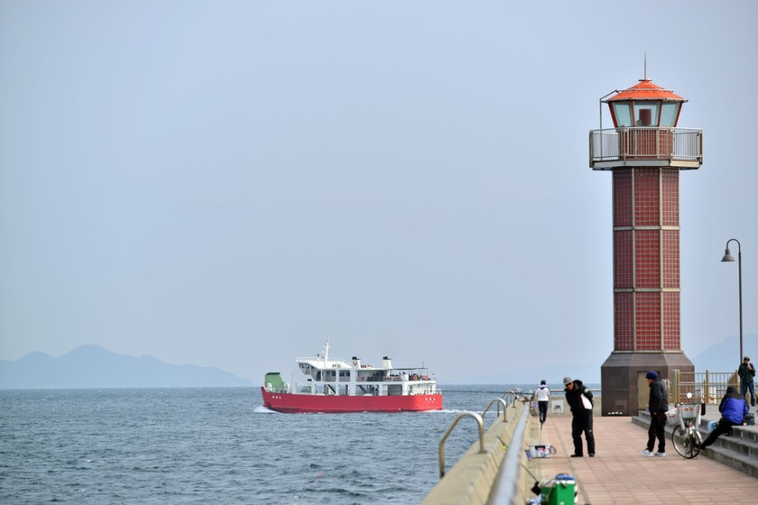 Meon sails directly to Ogijima Island.